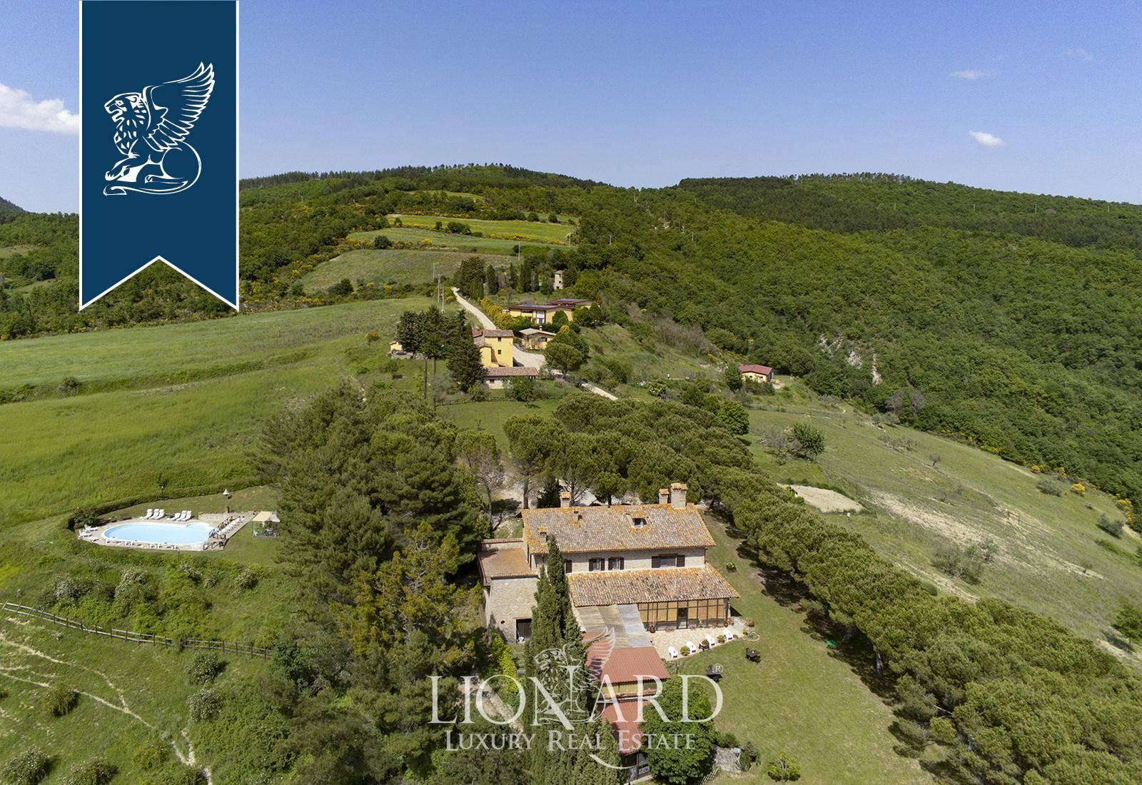 Agriturismo in Vendita a Monte Santa Maria Tiberina: 2000 mq