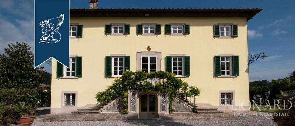 Villa in Vendita a Lucca: 970 mq