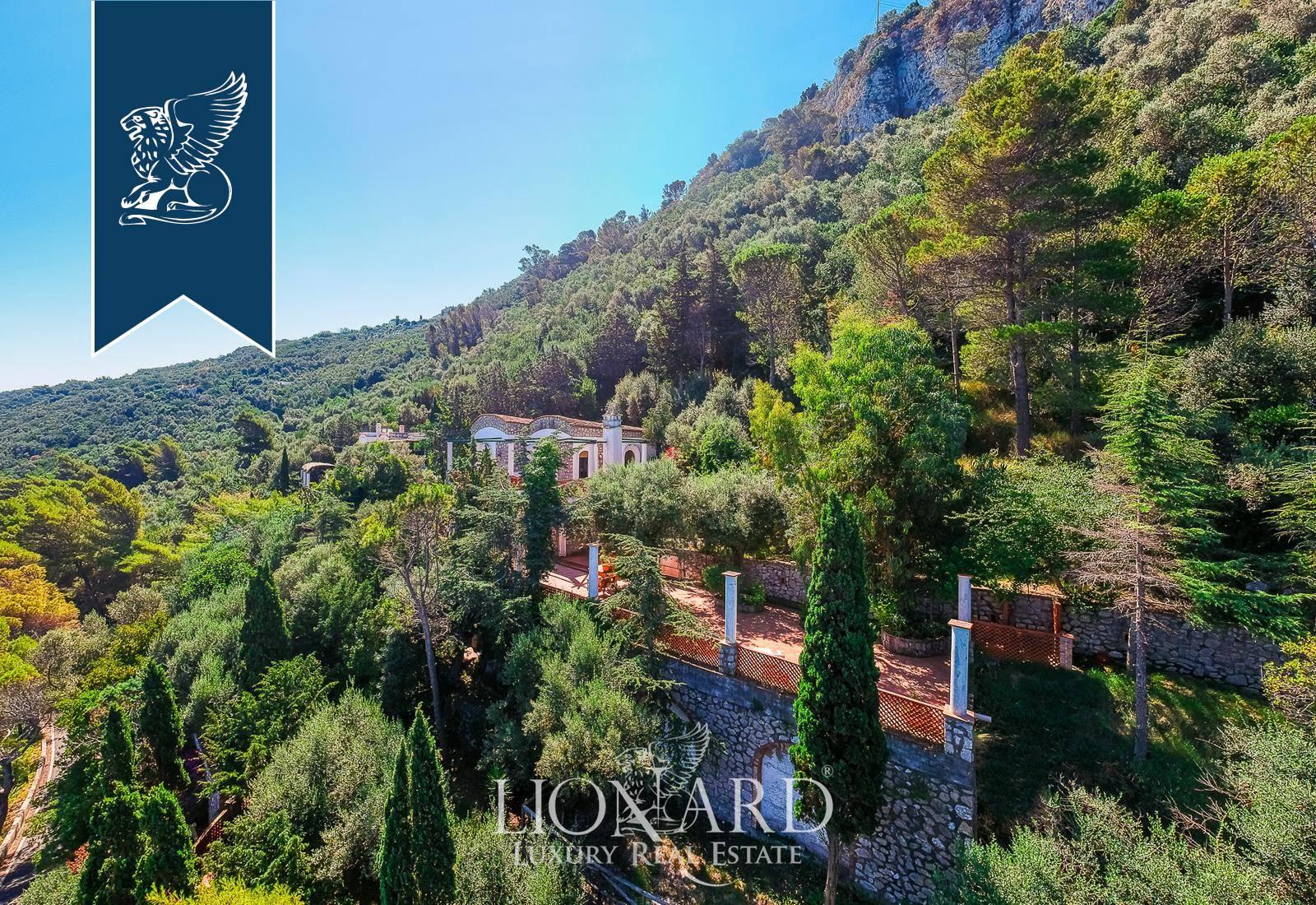 Villa in Vendita a Anacapri: 400 mq