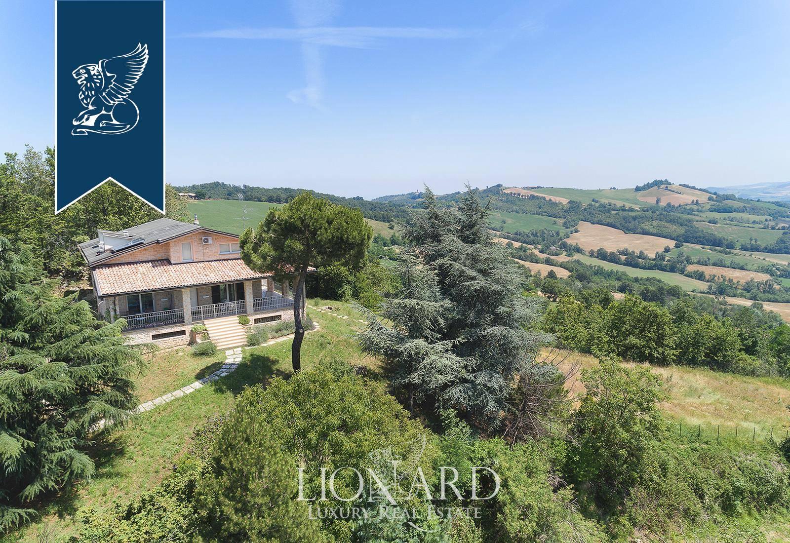 Villa in Vendita a Nibbiano
