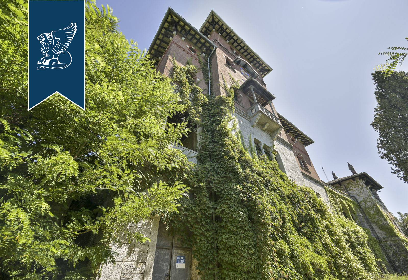 Villa in Vendita a Gavirate: 0 locali, 2500 mq - Foto 2