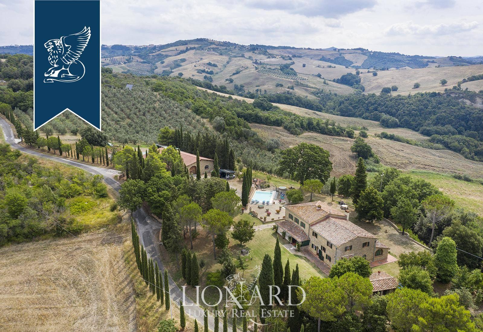 Villa in Vendita a Pomarance: 956 mq  - Foto 1