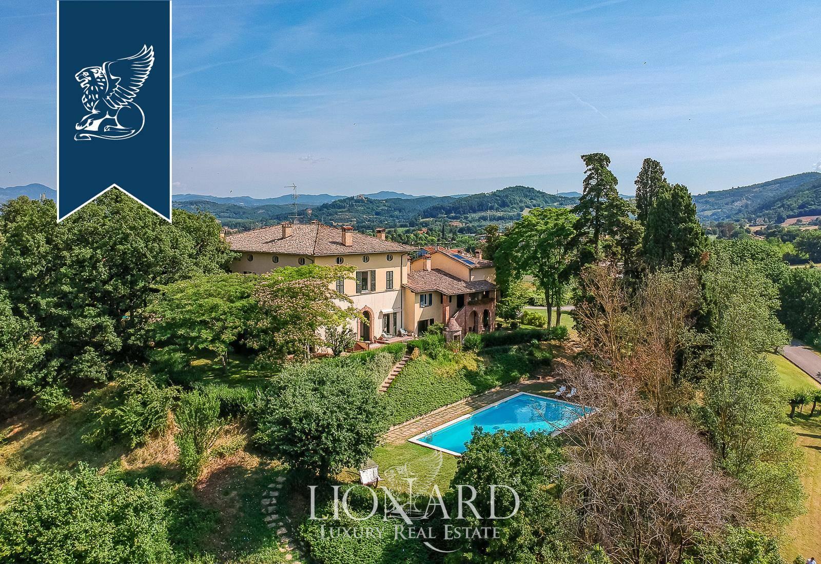 Villa in Vendita a Citta' Di Castello: 1000 mq