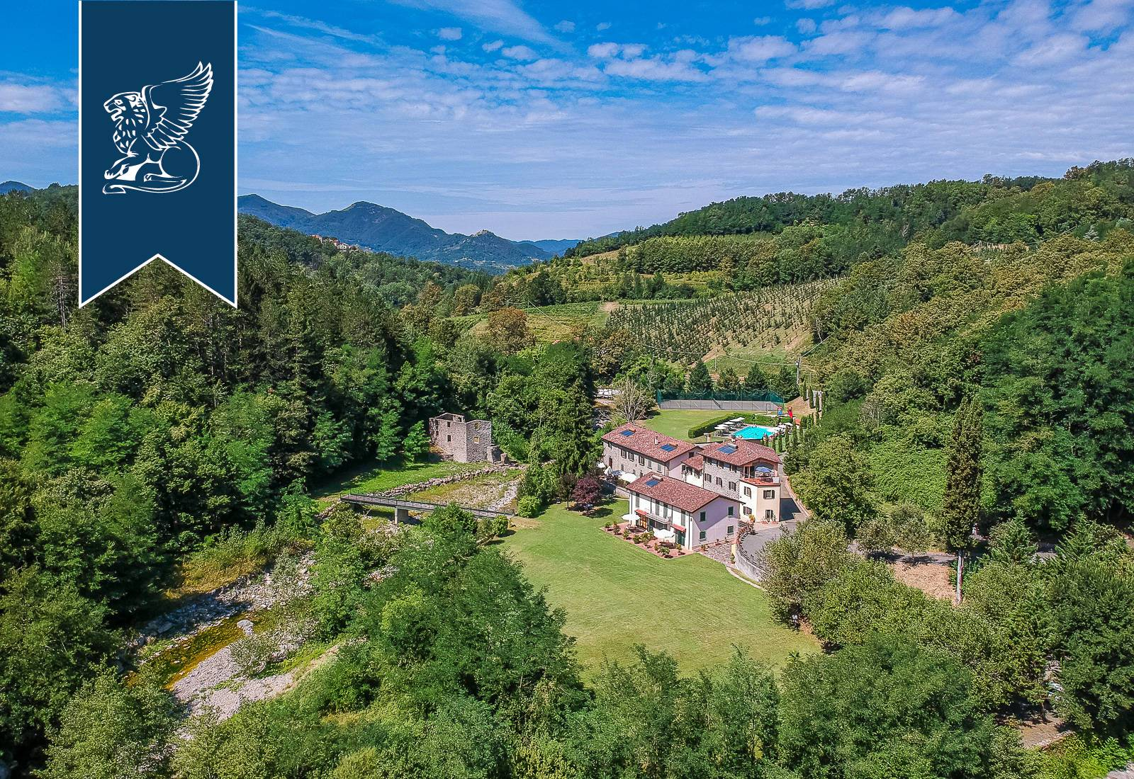 Agriturismo in Vendita a Fivizzano: 1700 mq
