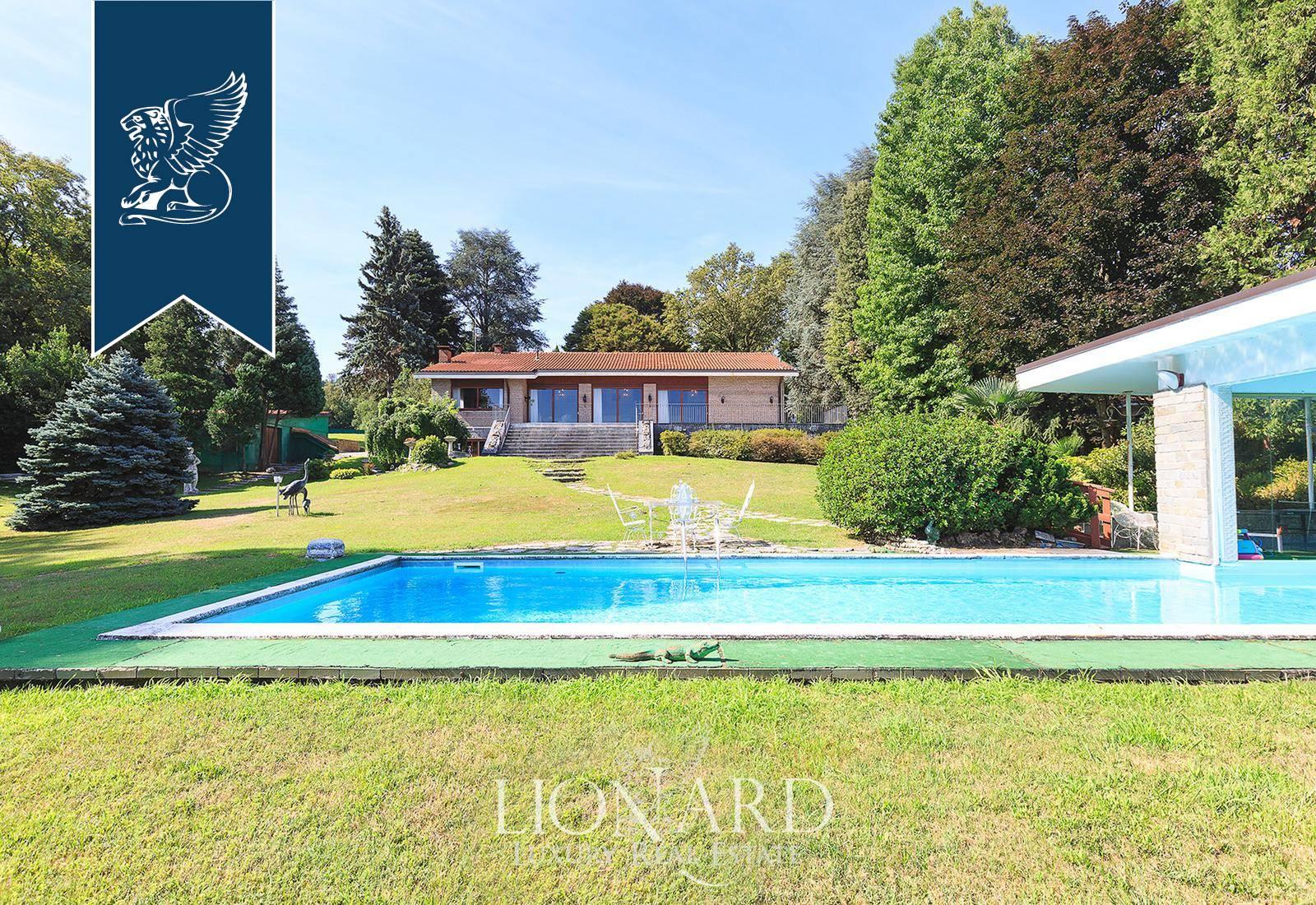 Villa in Vendita a Ranco: 0 locali, 900 mq - Foto 2
