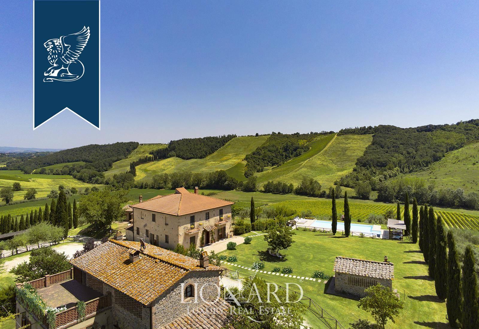 Azienda in Vendita a San Gimignano: 0 locali, 2000 mq - Foto 2