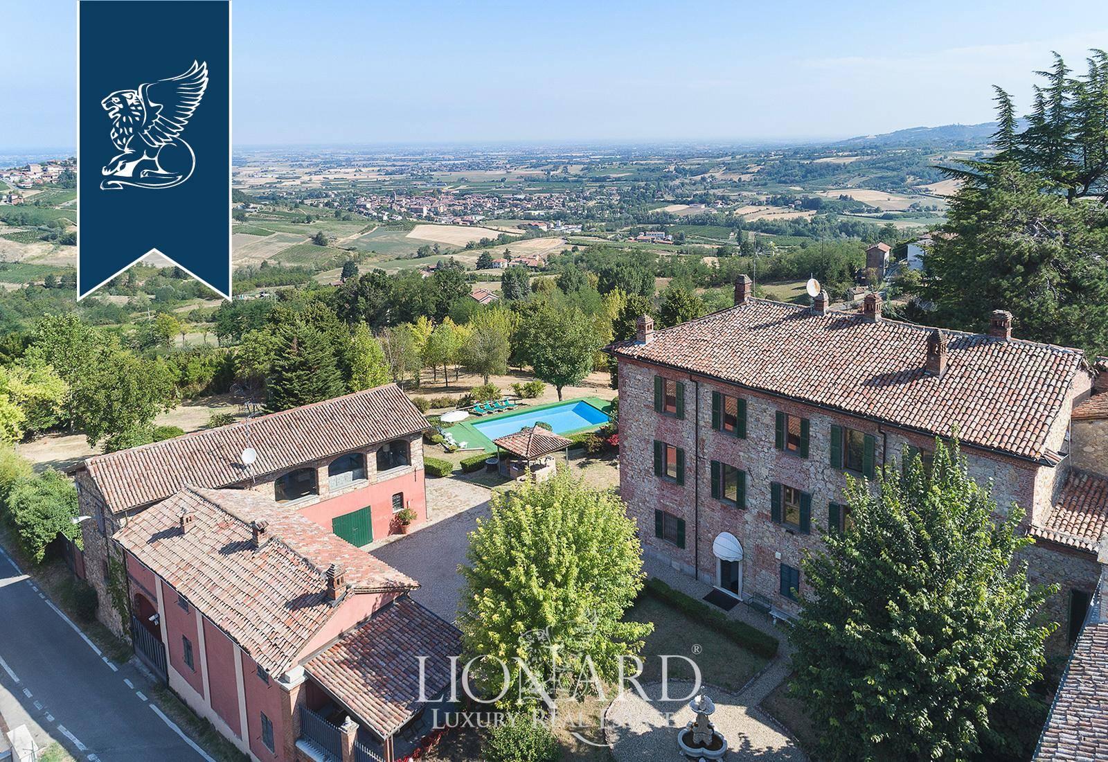 Villa in Vendita a Monleale: 1000 mq