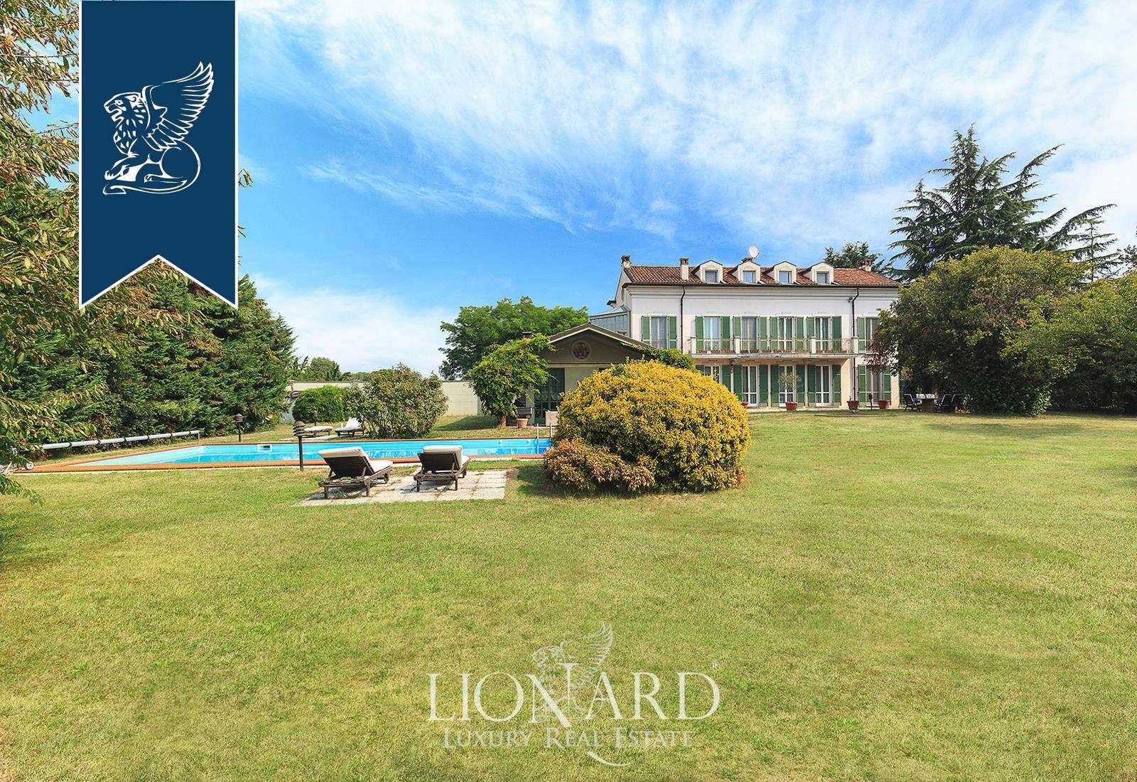 Villa in Vendita a Novara