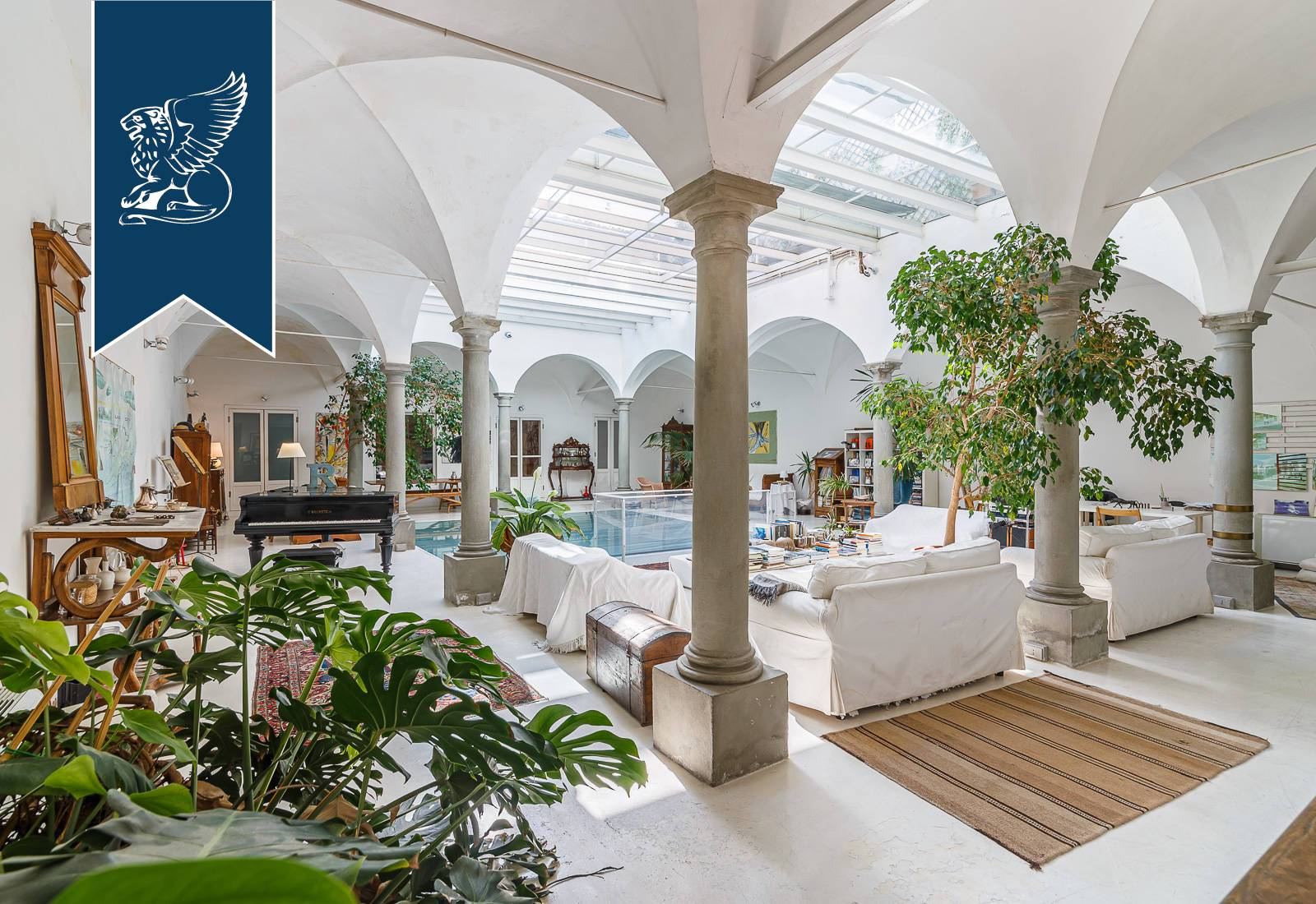 Appartamento in Vendita a Firenze: 600 mq