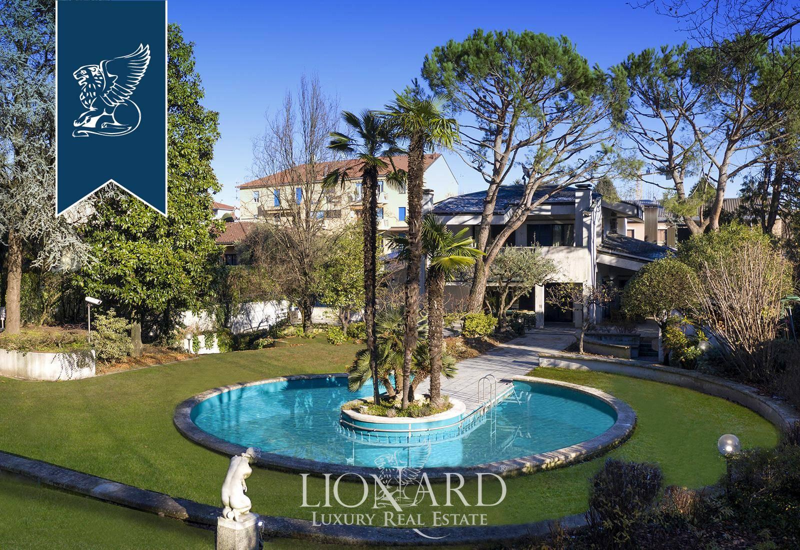 Villa in Vendita a Paderno Dugnano