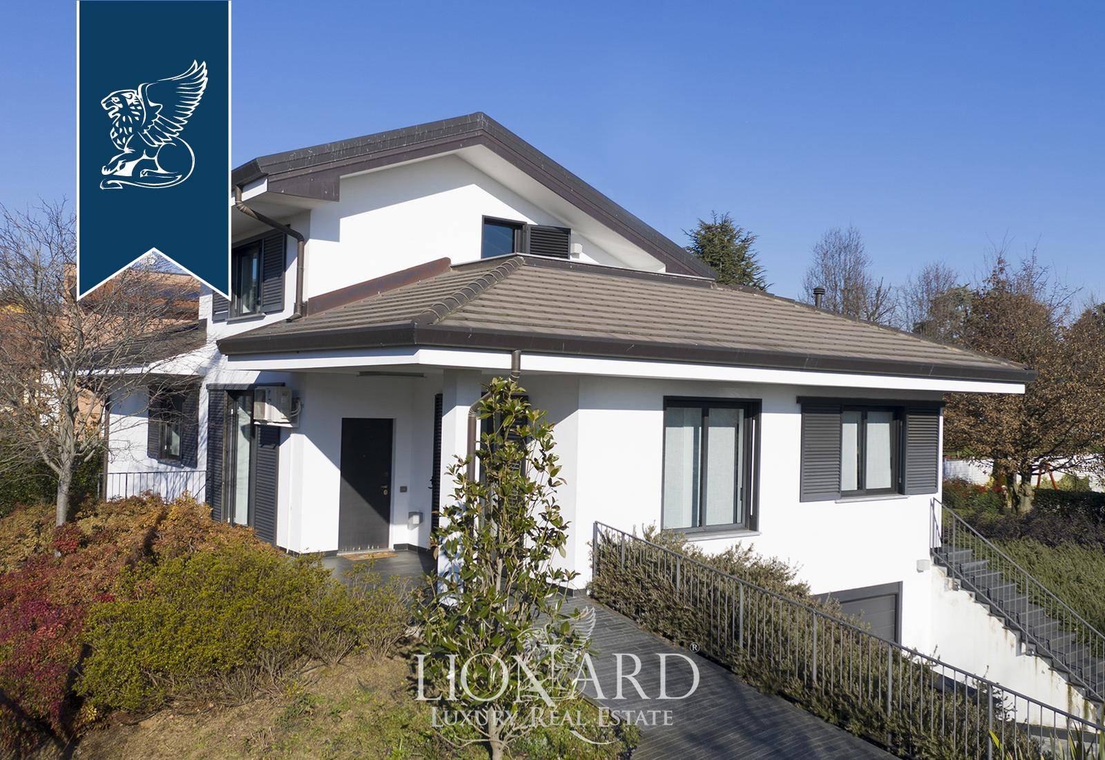 Villa in Vendita a Casorezzo: 450 mq