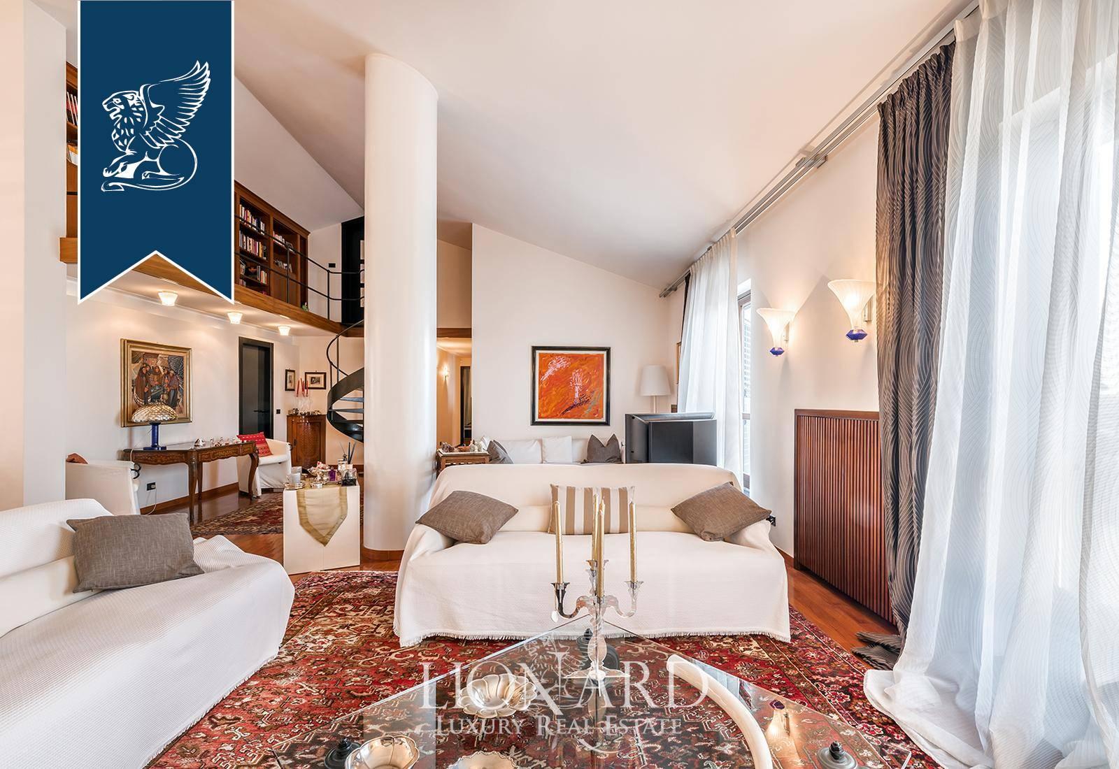 Appartamento in Vendita a Viareggio: 0 locali, 400 mq - Foto 2