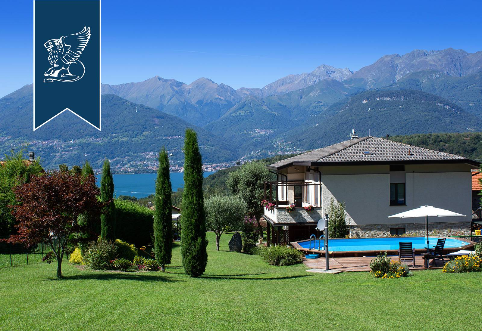 Villa in Vendita a Colico: 460 mq