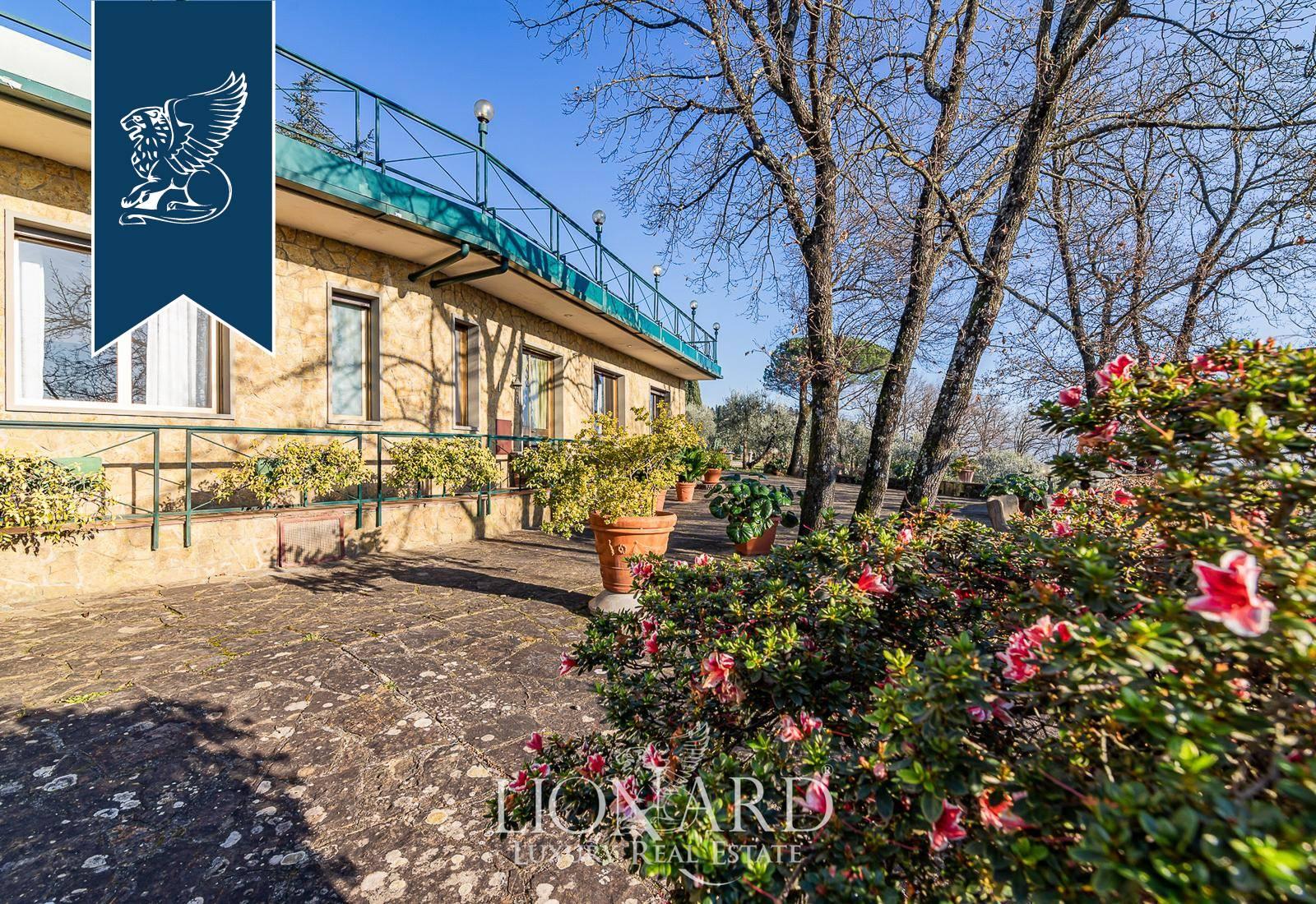 Villa in Vendita a Firenze: 250 mq