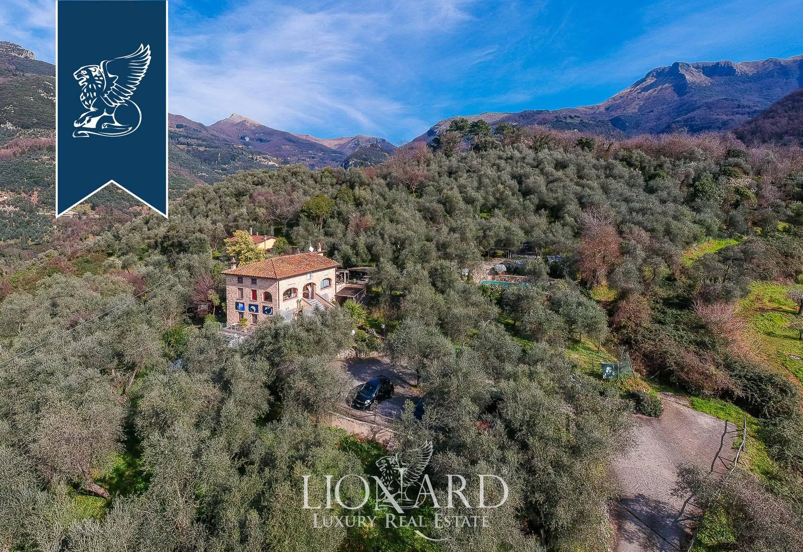 Villa in Vendita a Camaiore: 0 locali, 360 mq - Foto 2