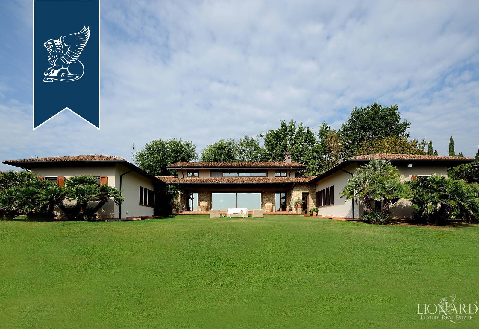 Villa in Vendita a Soiano Del Lago: 530 mq