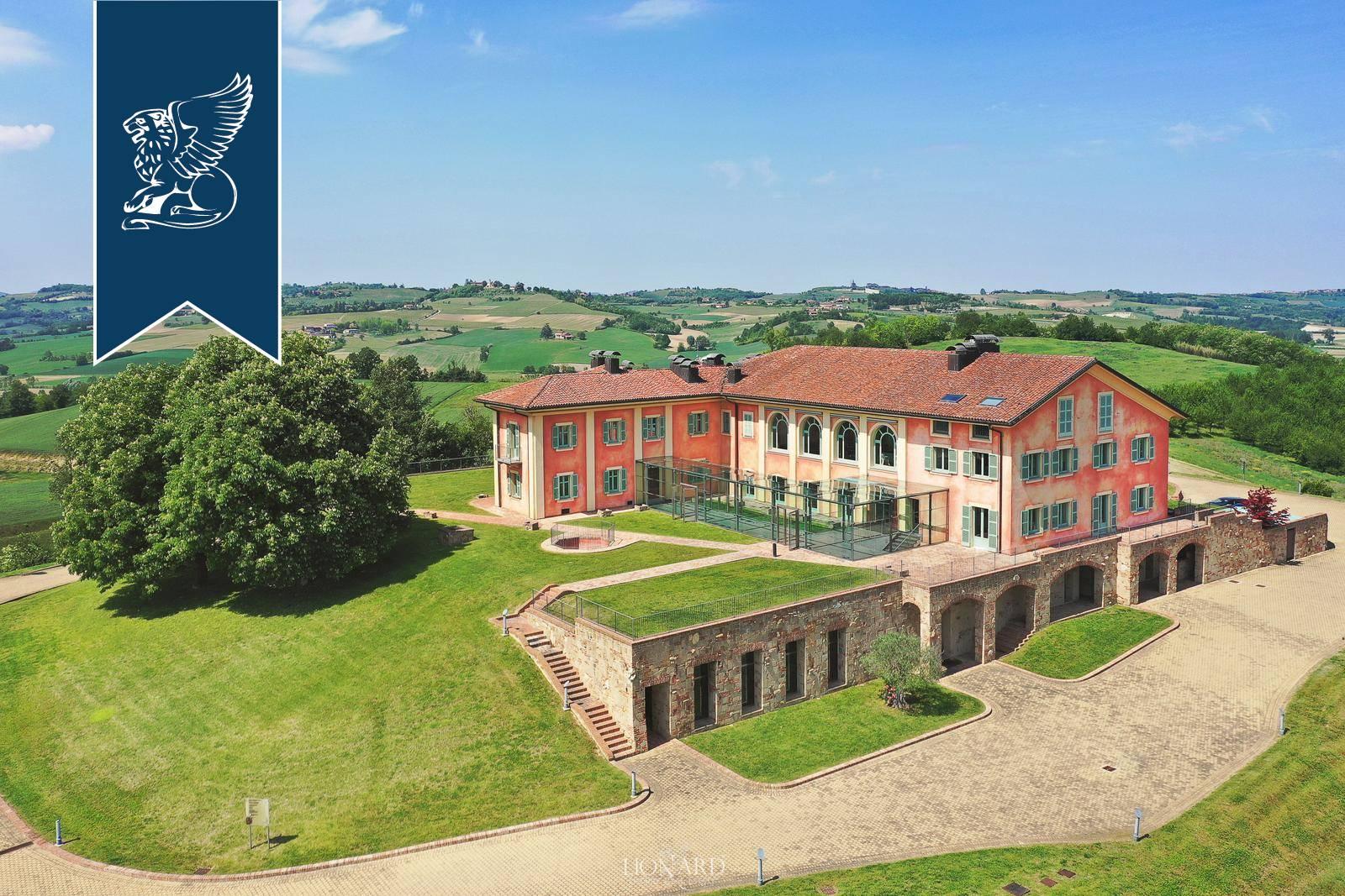 Villa in Vendita a Fubine: 2800 mq