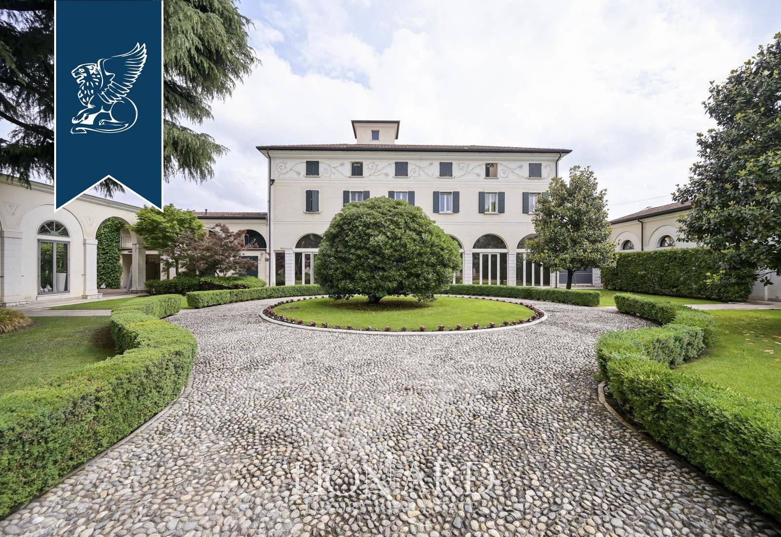 Villa in Vendita a Brescia: 1200 mq