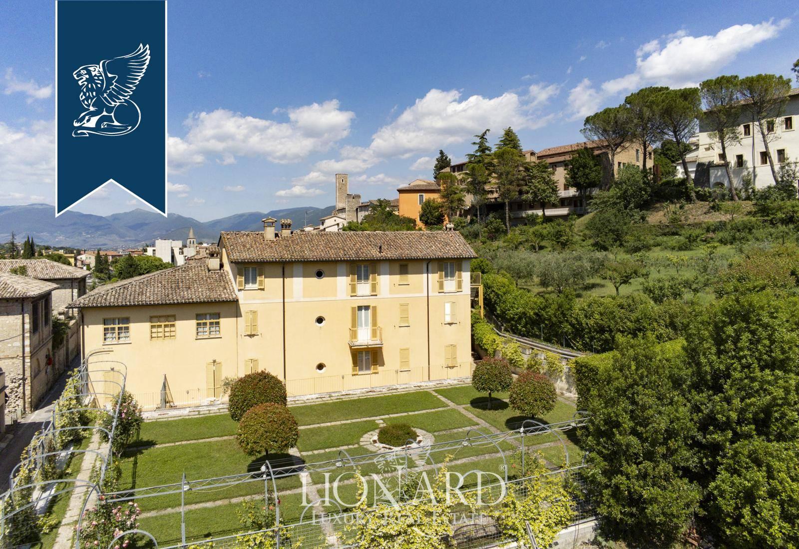 Albergo in Vendita a Spoleto: 3116 mq  - Foto 1