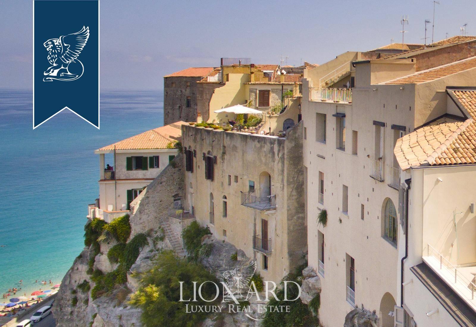 Appartamento in Vendita a Tropea: 0 locali, 280 mq - Foto 2
