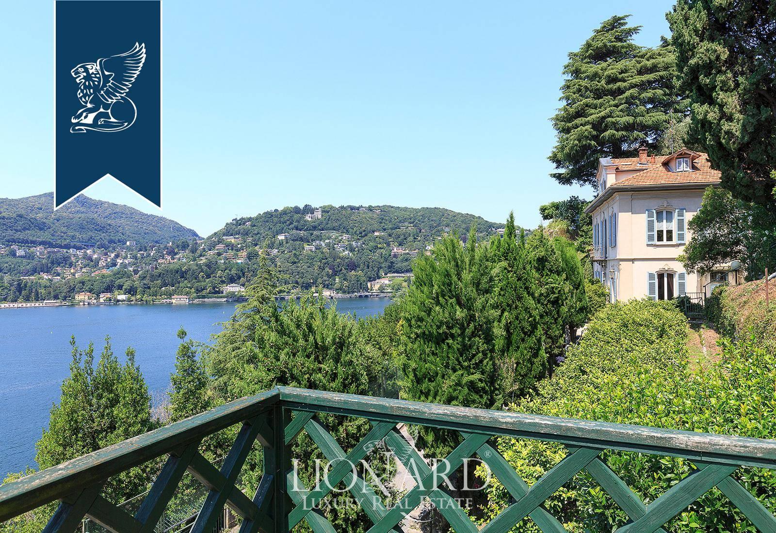 Villa in Vendita a Como: 0 locali, 230 mq - Foto 1