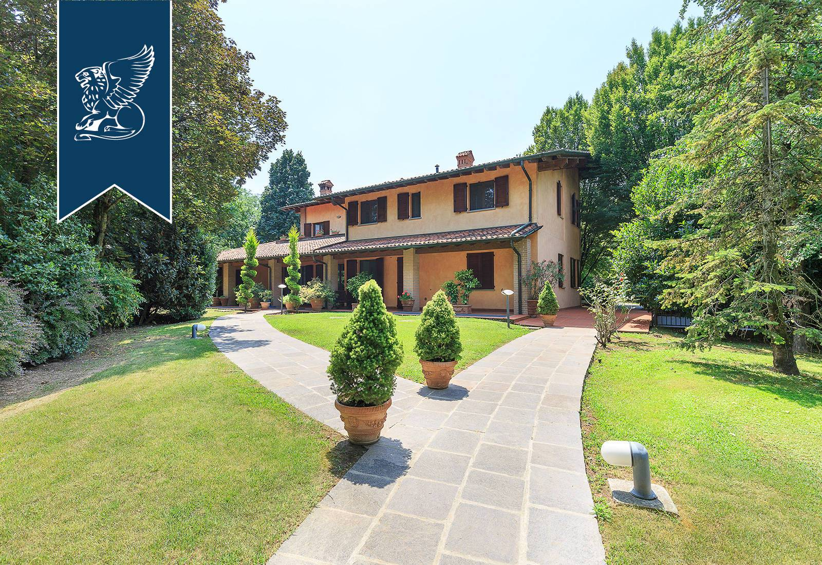 Villa in Vendita a Fontanella: 800 mq
