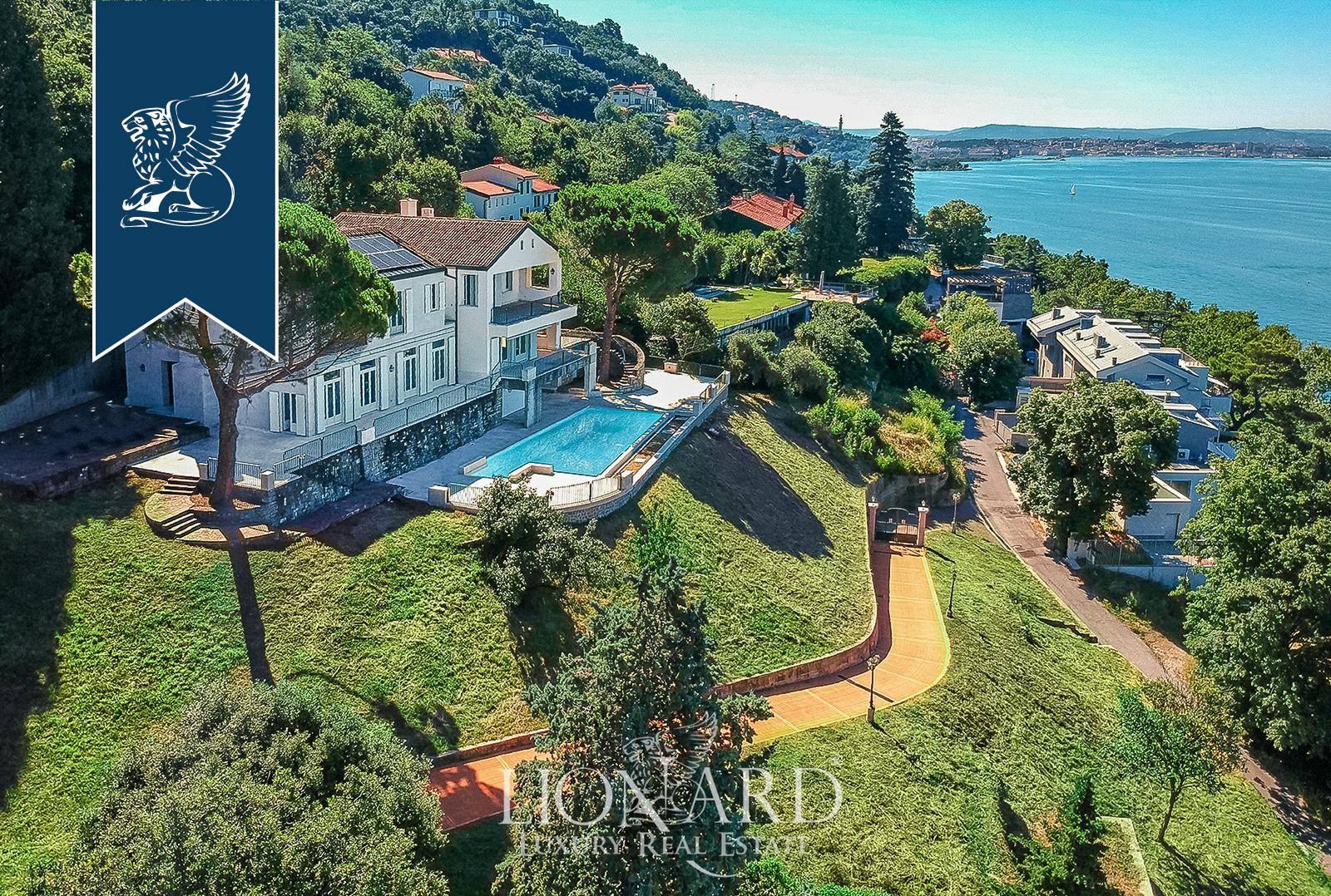 Villa in Vendita a Trieste: 900 mq