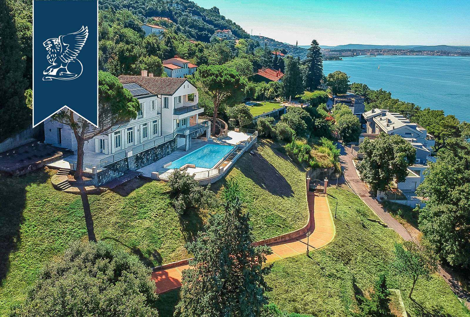 Villa in Vendita a Trieste: 0 locali, 900 mq - Foto 1