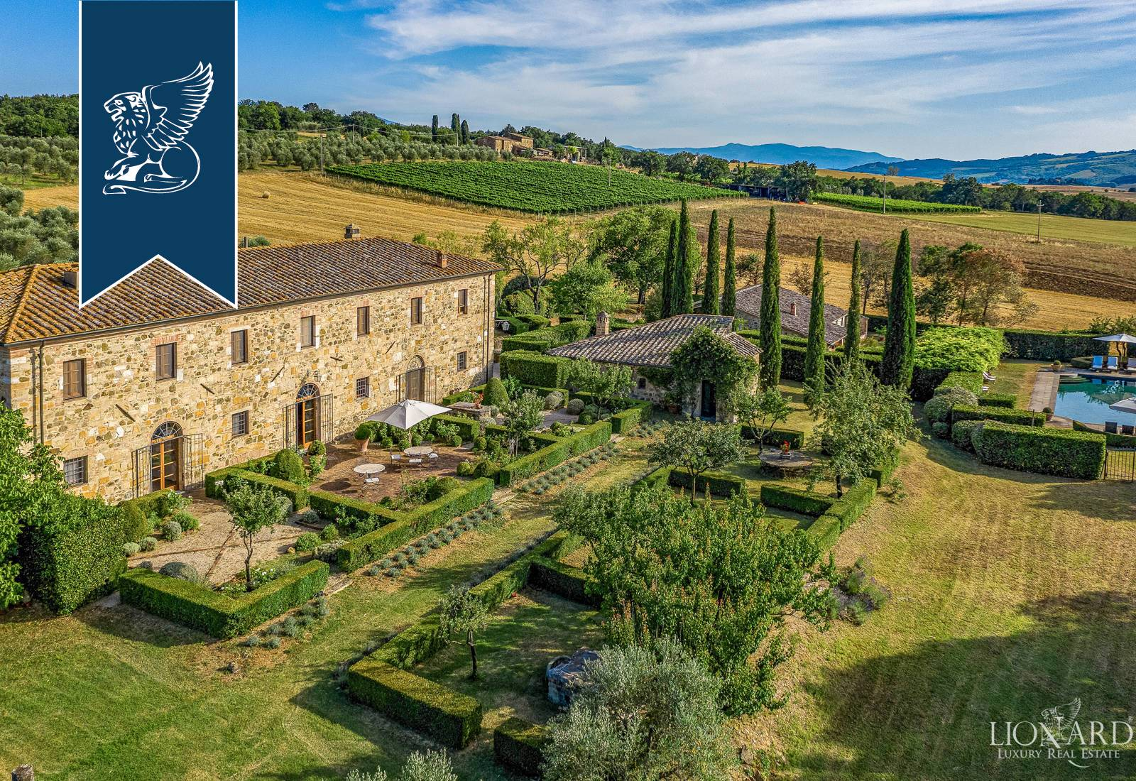 Villa in Vendita a San Quirico D'Orcia: 0 locali, 800 mq - Foto 2