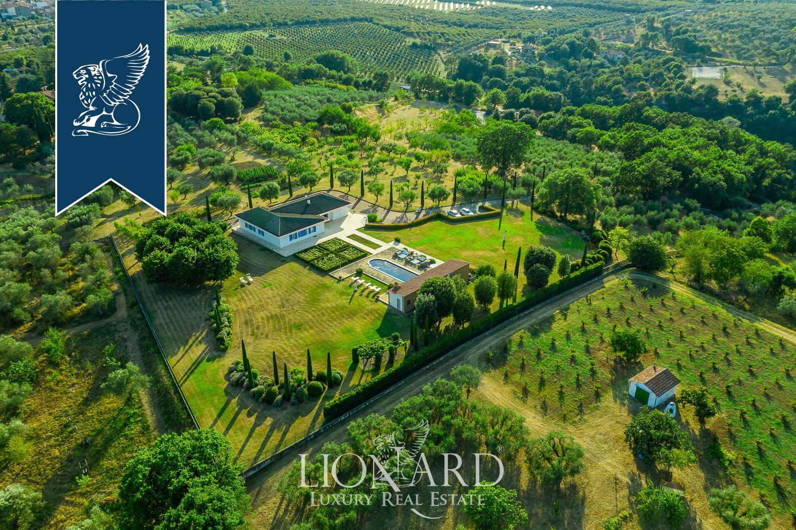 Villa in Vendita a Bassano In Teverina: 500 mq