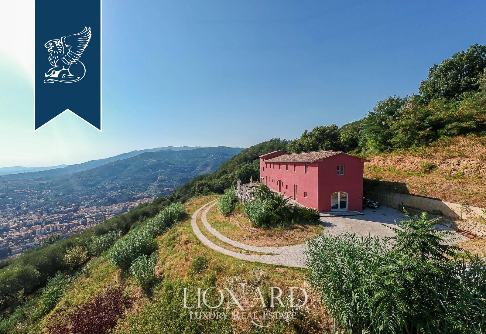Agriturismo in Vendita a Uzzano: 700 mq