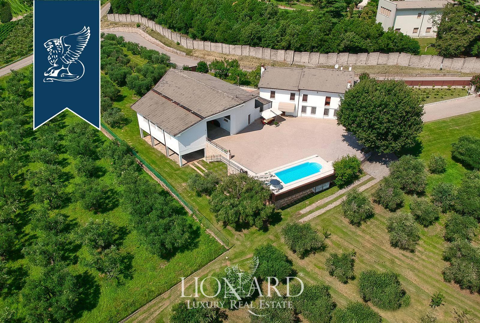 Villa in Vendita a Verona: 0 locali, 1000 mq - Foto 4