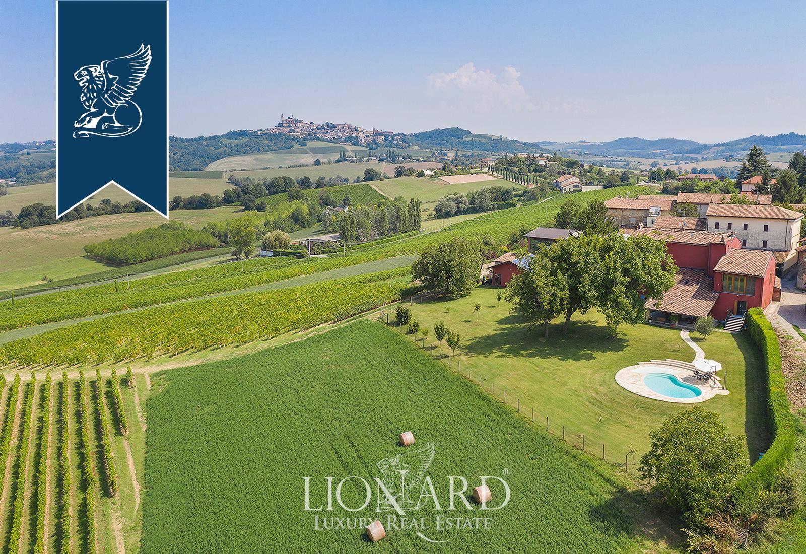 Villa in Vendita a Vignale Monferrato: 500 mq
