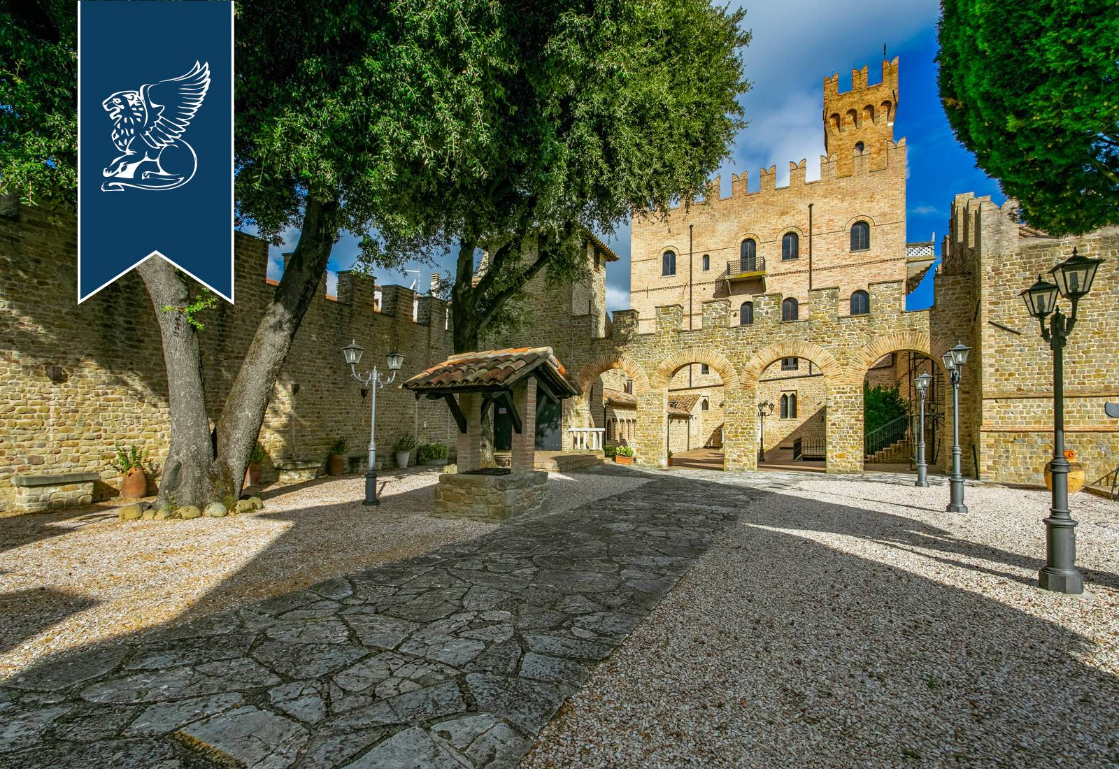 Villa in Vendita a Tavoleto: 0 locali, 2100 mq - Foto 1