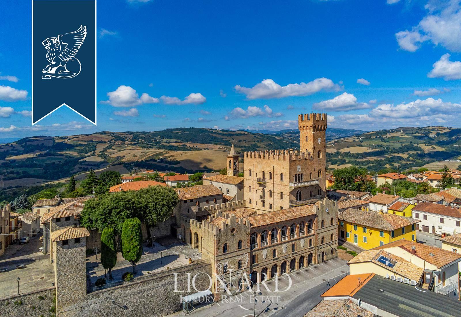 Villa in Vendita a Tavoleto: 0 locali, 2100 mq - Foto 5