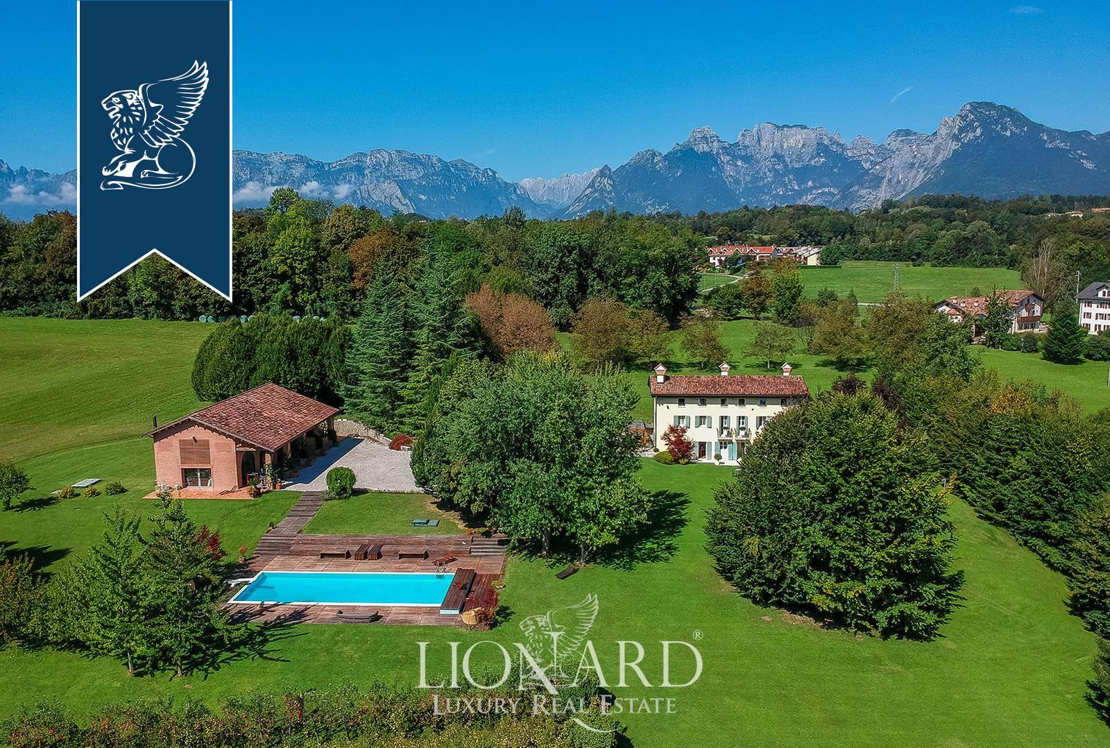Villa in Vendita a Belluno: 900 mq