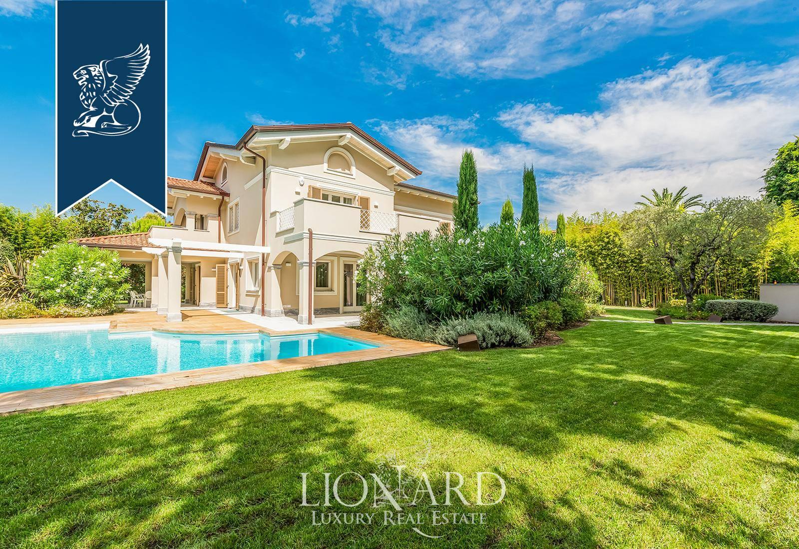 Villa in Vendita a Forte Dei Marmi: 600 mq
