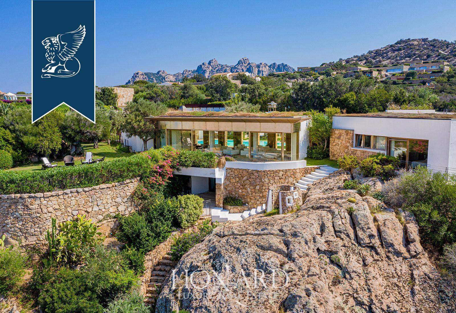 Villa in Vendita a Arzachena: 0 locali, 975 mq - Foto 2