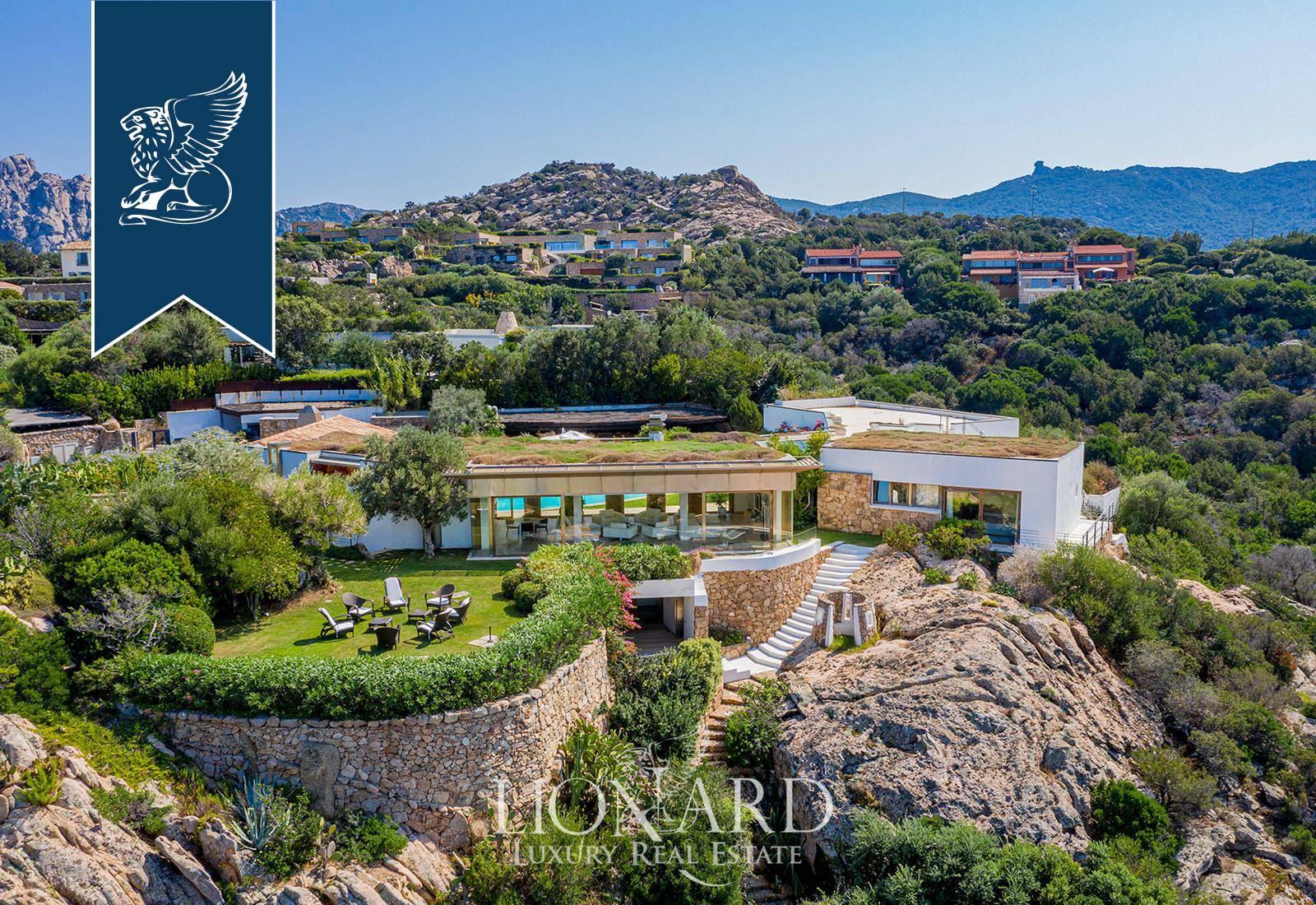Villa in Vendita a Arzachena: 0 locali, 975 mq - Foto 1