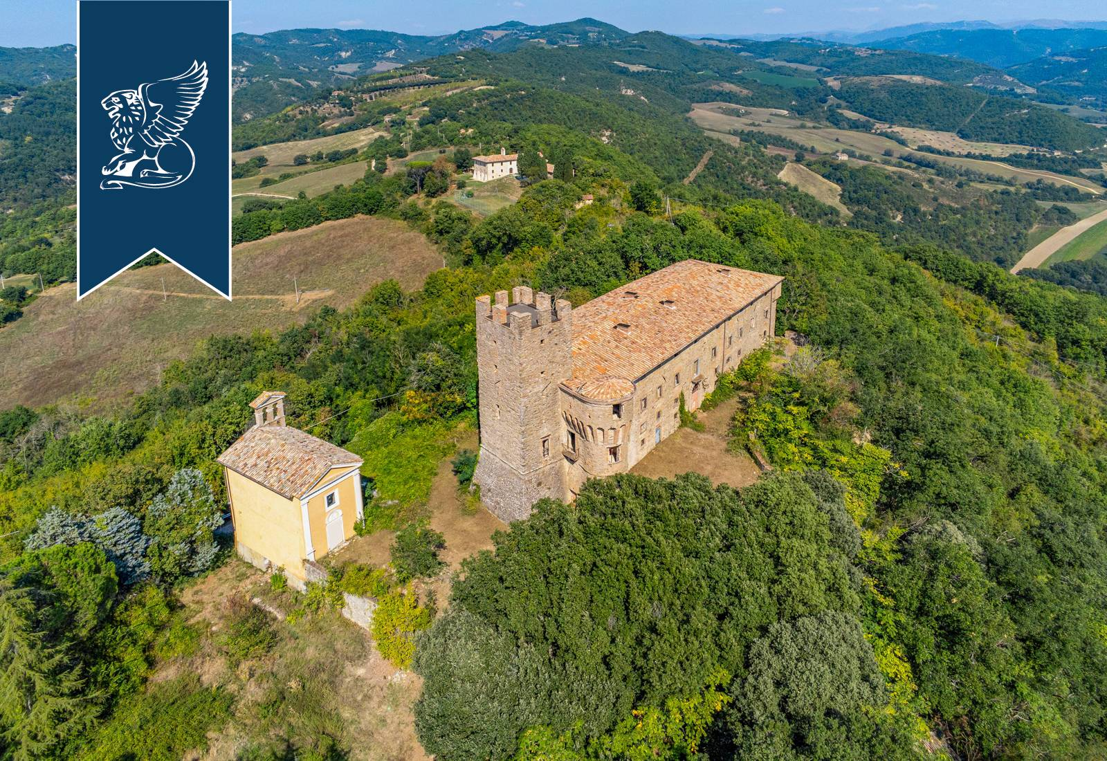 Villa in Vendita a Umbertide: 0 locali, 2600 mq - Foto 9