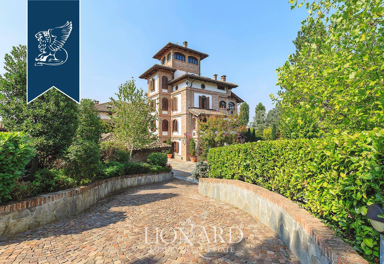 Villa in Vendita a Nizza Monferrato: 1100 mq