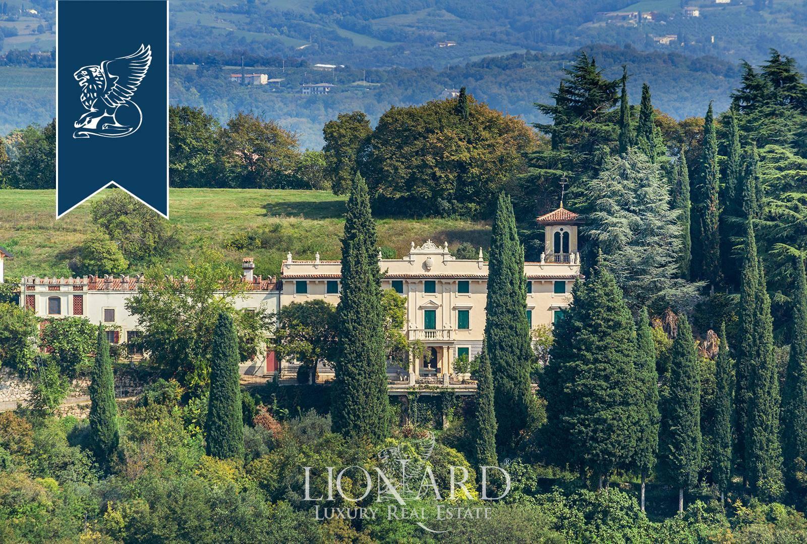 Villa in Vendita a Verona: 0 locali, 900 mq - Foto 2