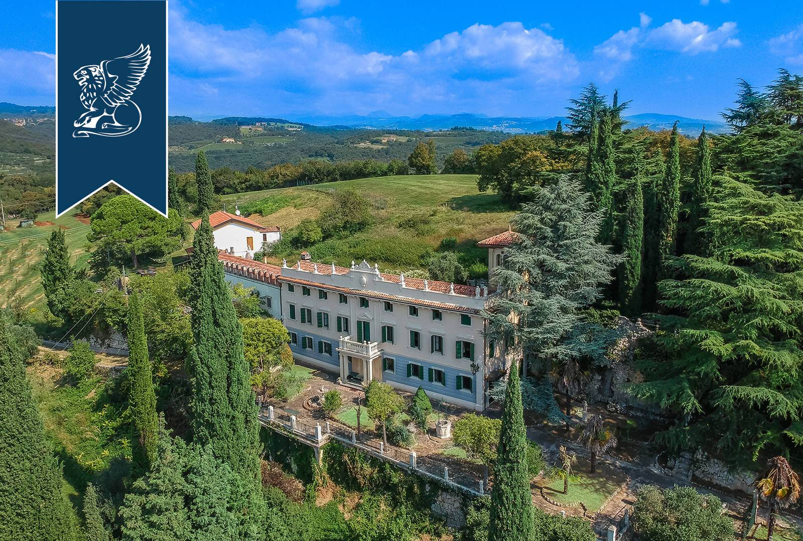 Villa in Vendita a Verona: 0 locali, 900 mq - Foto 1