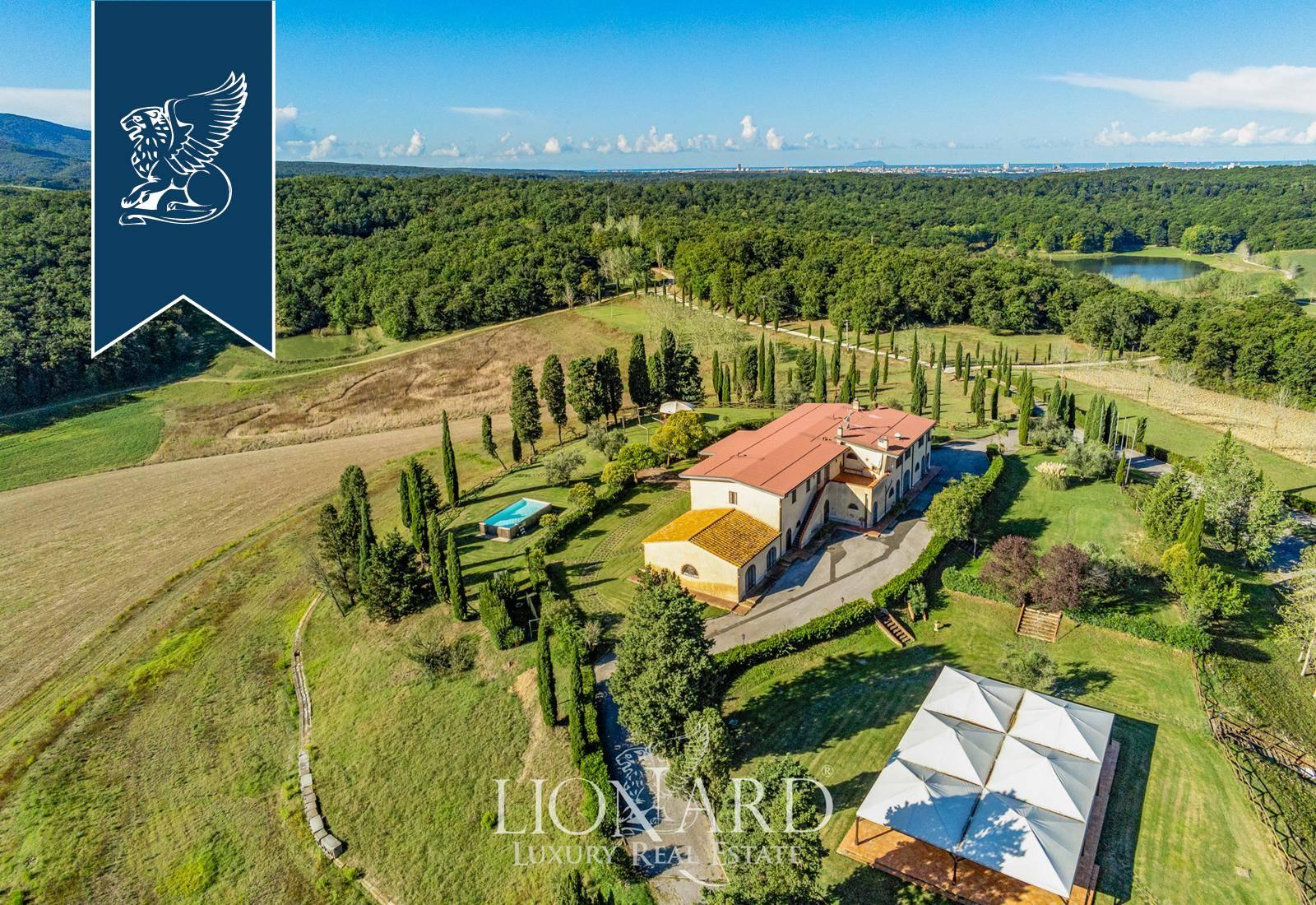 Azienda in Vendita a Collesalvetti: 3000 mq