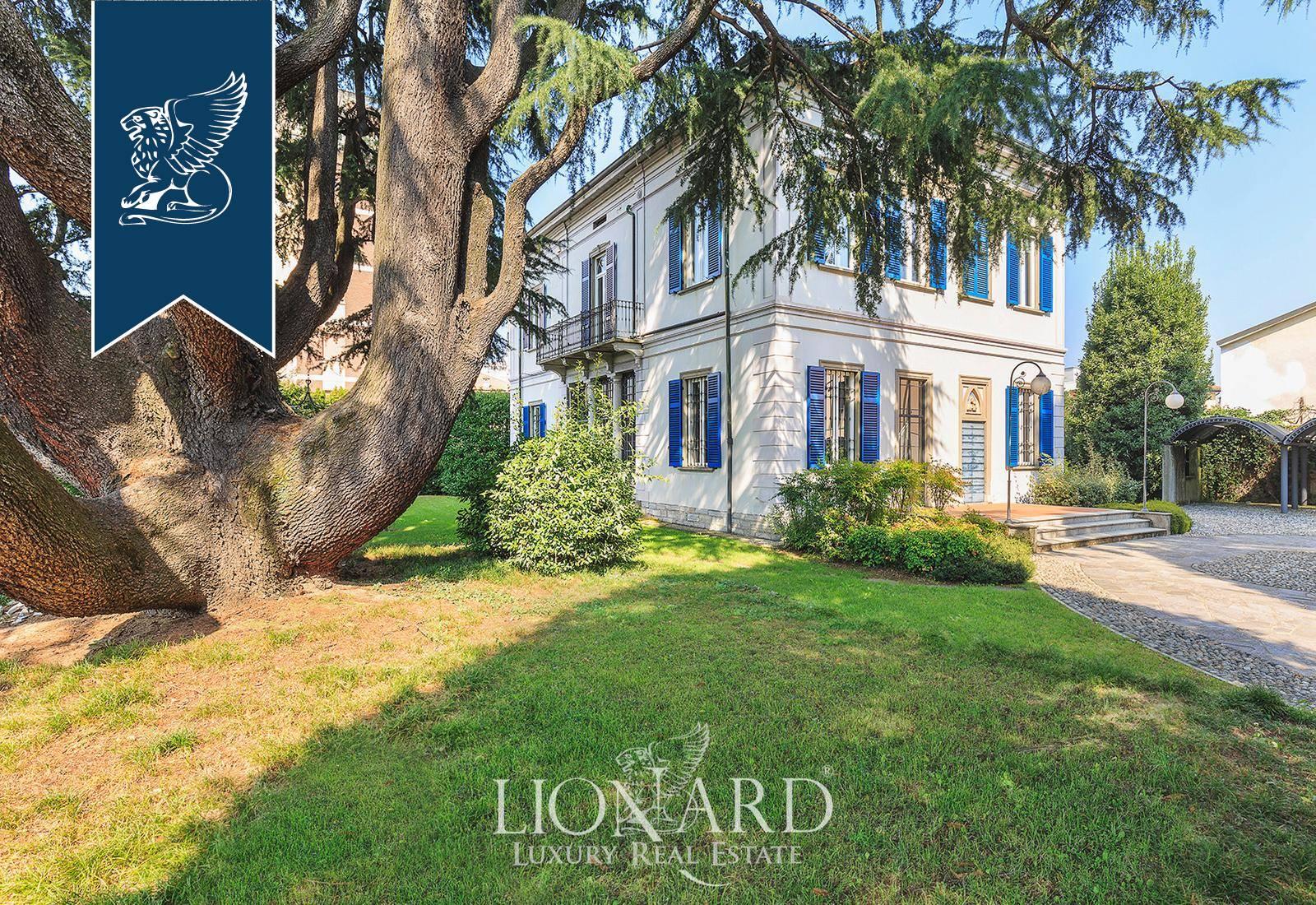 Villa in Vendita a Lomazzo: 585 mq