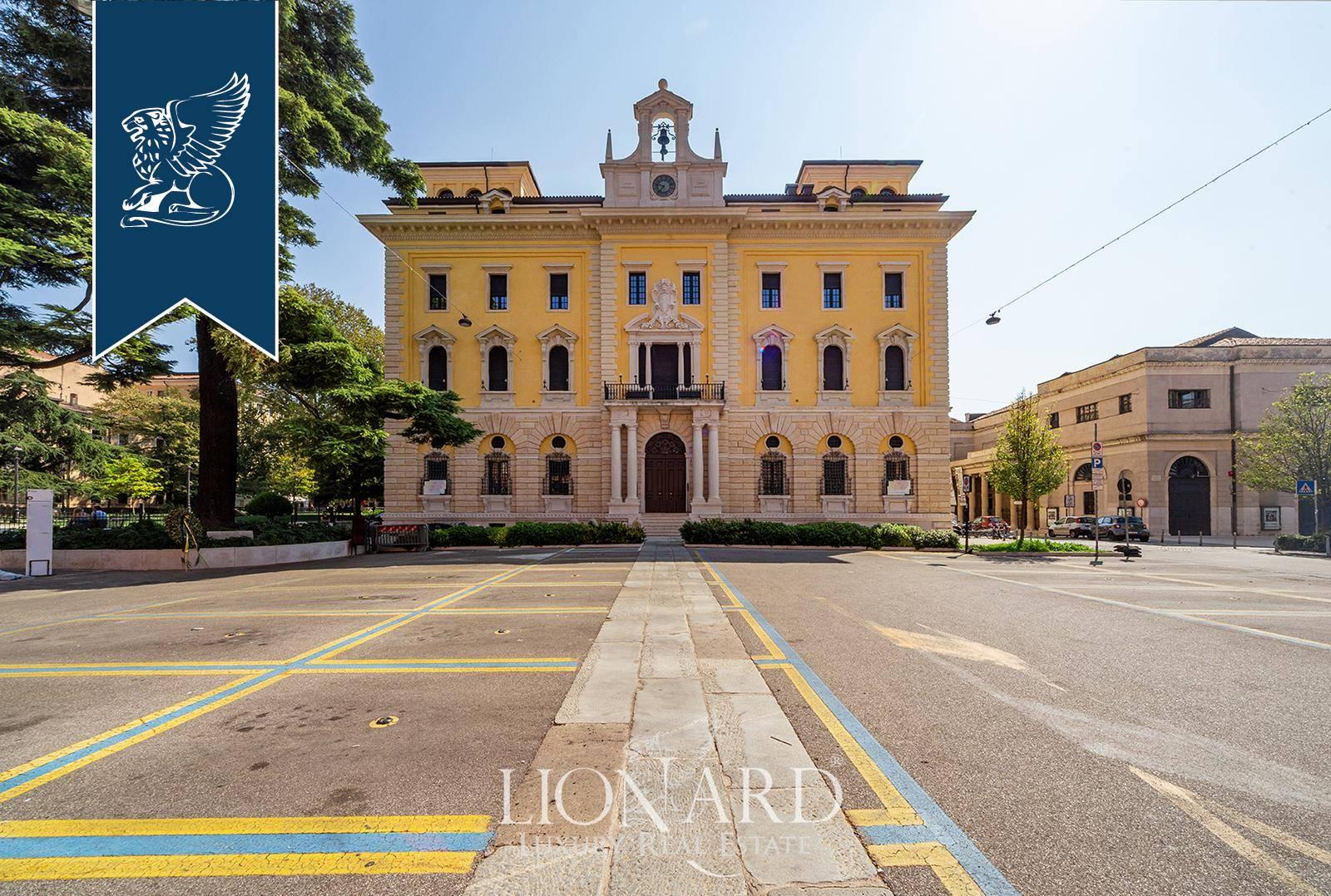 Palazzo in Vendita a Verona