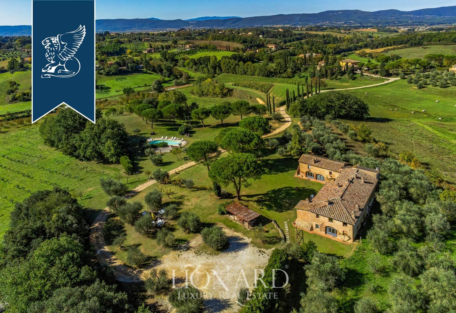 Agriturismo in Vendita a Siena: 0 locali, 650 mq - Foto 1