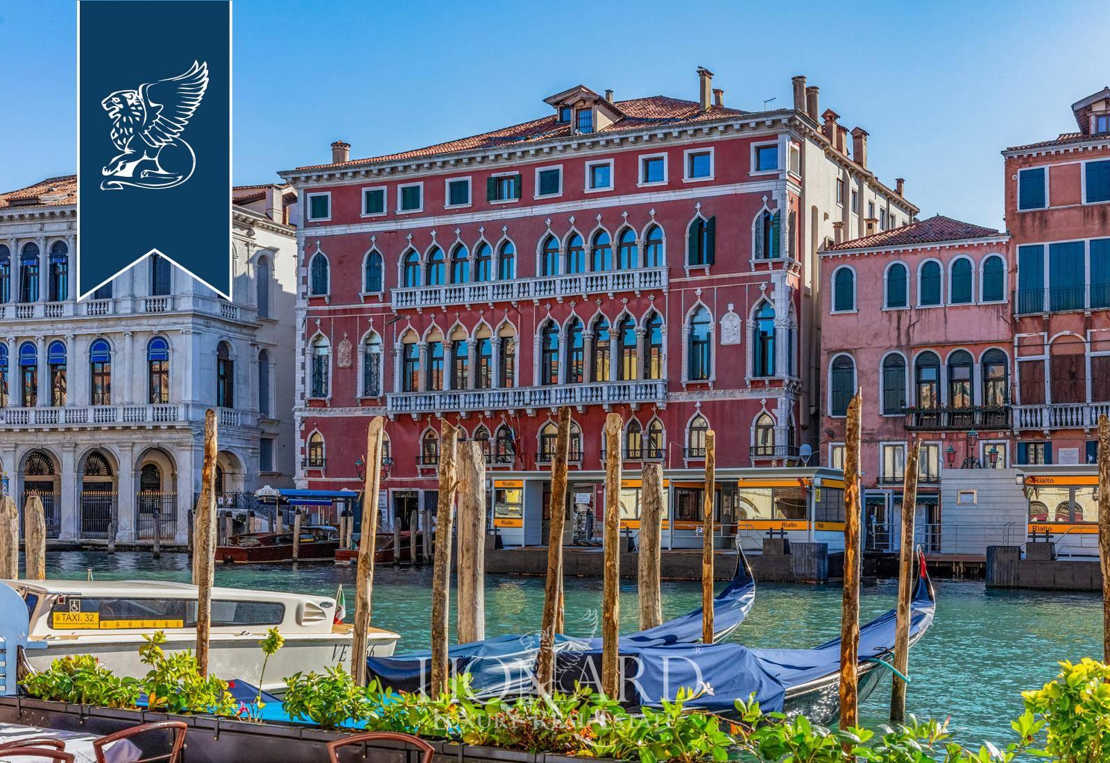 Appartamento in Vendita a Venezia: 0 locali, 367 mq - Foto 2