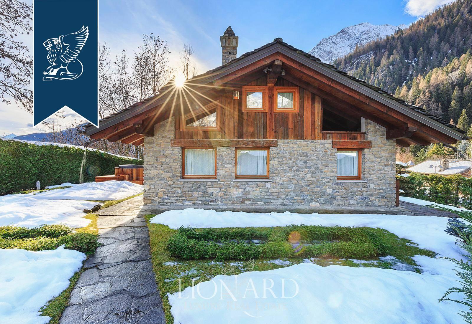 Villa in Vendita a Courmayeur: 900 mq