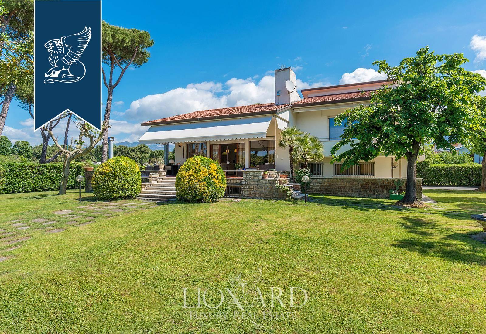 Villa in Vendita a Montignoso: 0 locali, 330 mq - Foto 1